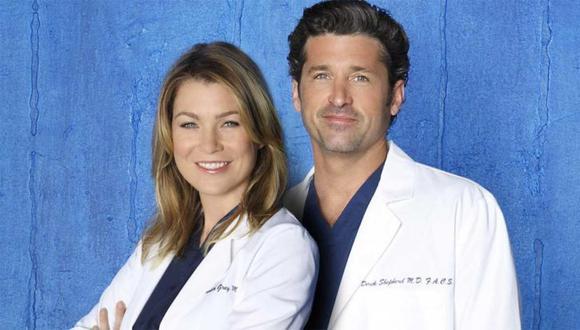 La noche antes que comience el nuevo ingreso de internos de cirugía en el hospital, Derek conoce a Meredith Grey en un conocido bar (Foto: ABC