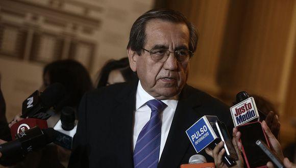 El congresista de la Célula Parlamentaria Aprista Jorge del Castillo respaldó a la lista presidida por Víctor Andrés García Belaunde (Acción Popular). (USI)