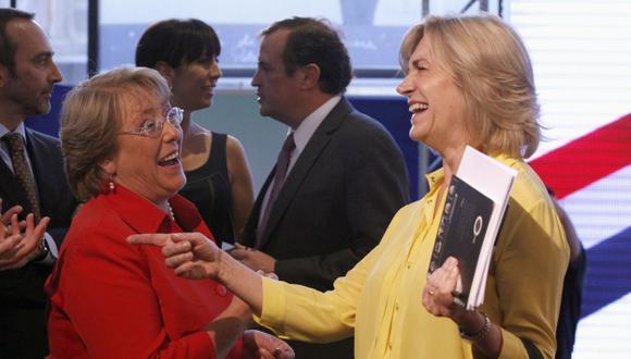 Cara a cara. Bachelet y Matthei se reencontraron en debate radial. Fueron amigas en la infancia. (Reuters)