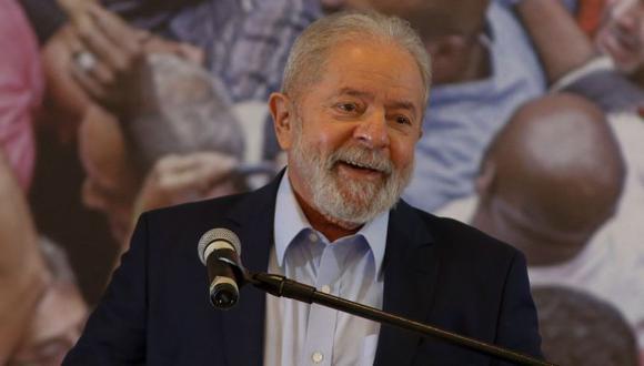 Luiz Inácio Lula da Silva, ofrece una conferencia de prensa en el edificio del sindicato de trabajadores metalúrgicos en Sao Bernardo do Campo, en el área metropolitana de Sao Paulo, Brasil, el 10 de marzo de 2021. (Foto referencial: AFP / Miguel SCHINCARIOL)