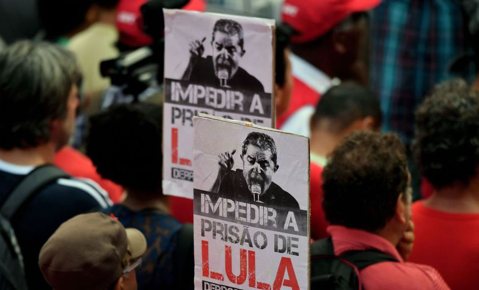 """Tras el inicio de la operación Lava Jato, hace más de cinco años, el Ministerio Público Federal acusó a Lula de ser el """"comandante máximo"""" de una trama corrupta. (Foto: AFP)"""