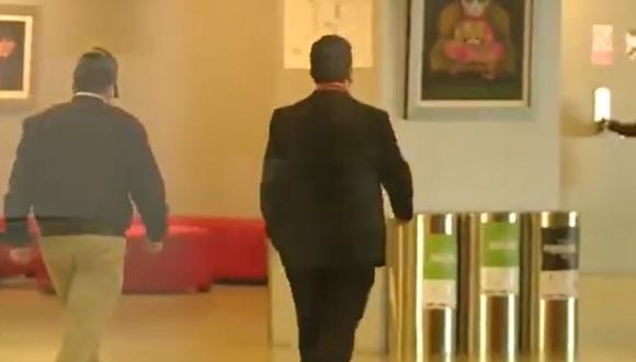 Vladimir Cerrón llegó al Centro de Convenciones y evitó dar declaraciones a la prensa. (Captura Canal N)