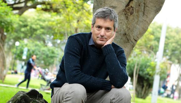 Santiago Roncagliolo es uno de los diez autores del libro 'El código García'.