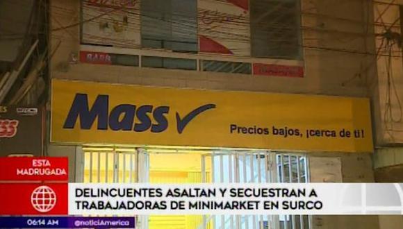 Trabajadoras asaltan y secuestran a trabajadoras de minimarket Mass (Captura: America Noticias)