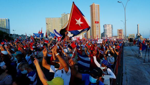 Miles de personas asisten a un acto de apoyo a la revolución, en La Habana (Cuba), casi una semana después de que masivas marchas de protesta sacudieran la isla en medio de una fuerte crisis. (Foto: EFE)