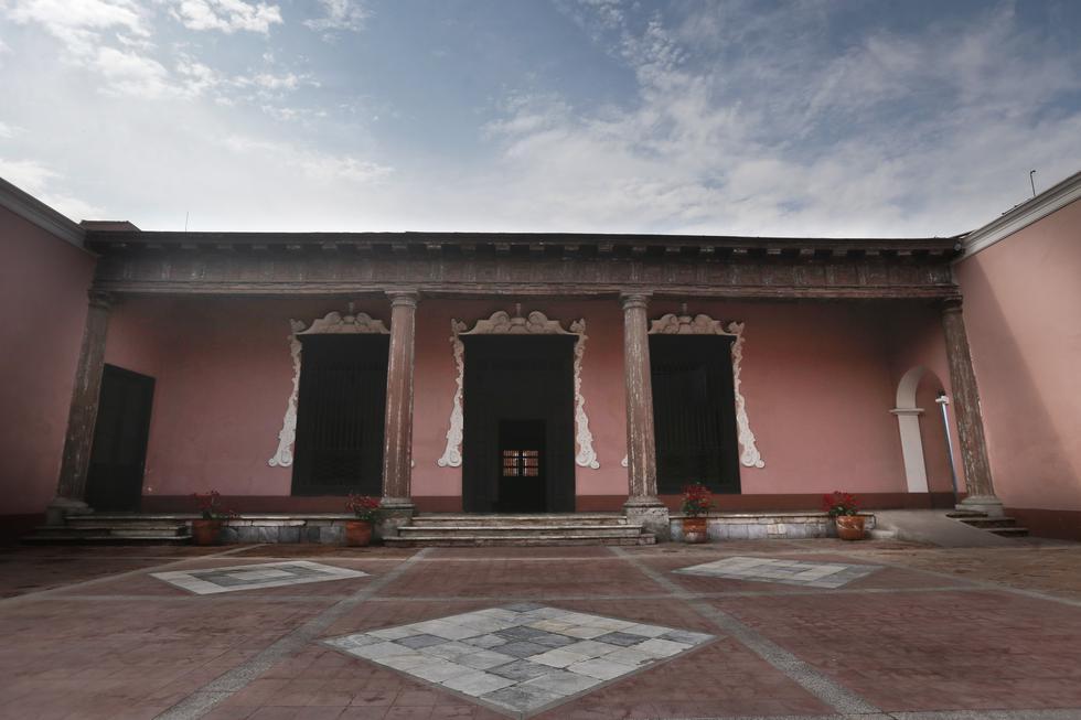 Imponentes columnas de estilo neoclásico se instalaron en la Casa Paz Soldán en una remodelación en el siglo XIX (Luis Centurión/Perú21).