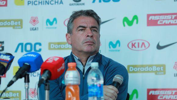 Pablo Bengoechea dará conferencia de prensa hoy tras salida nocturna de Jean Deza y Carlos Ascues.