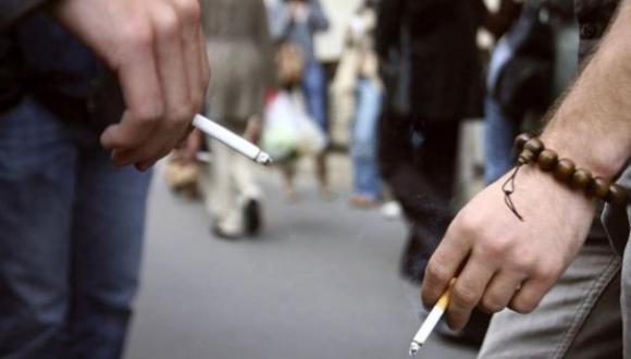 Según un estudio de Datum Internacional, en Lima y Callao los consumidores de cigarrillos de contrabando fuman el doble, a diferencia de fumadores que consumen productos legales. (Foto Archivo GEC)