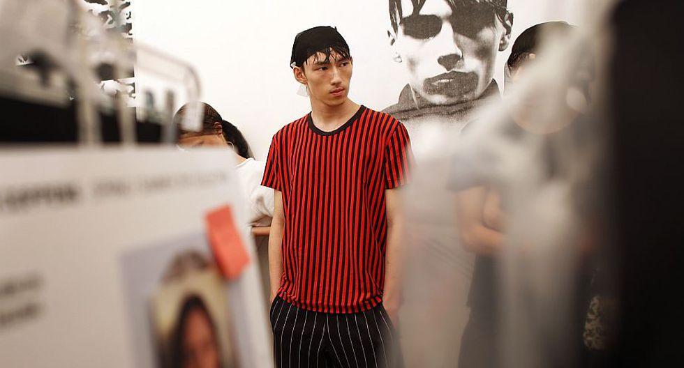 El chino Zhao Qinghe (21) solo tiene un año en el modelaje. Lo descubrieron en la Universidad de Beijing y aforma que, desde entonces anda muy ocupado. (AP)