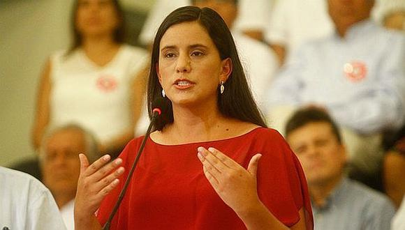 """""""Ahora, luego de la salida de Merino y dos jóvenes asesinados, ¿se atreve a reclamar volver al cargo?"""", cuestionó Mendoza. (Foto: GEC)"""