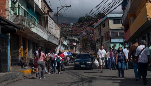 Entre 2016 y 2019 la población venezolana dejó de crecer y ha disminuido en 1.6 millones de personas.  (Foto: AFP)