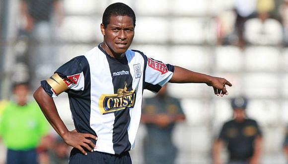 Juan Jayo y los clásicos que jugó con la camiseta de Alianza Lima. (USI)