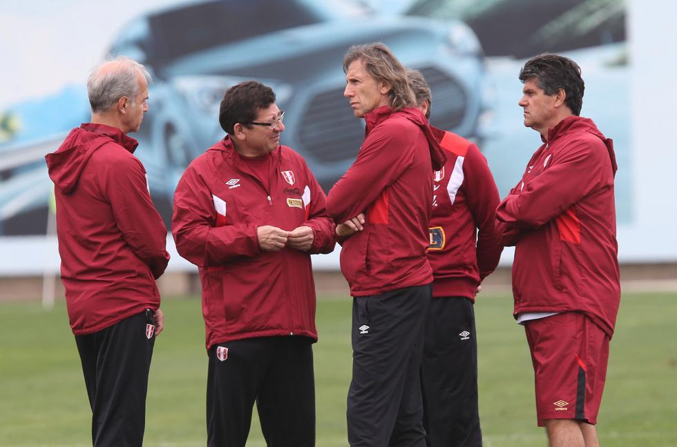 """""""Los jugadores se están adaptando poco a poco al cambio de horario y puedo comentarles que todos terminaron bien el partido ante Arabia Saudí"""", destacó Julio Segura. (USI)"""