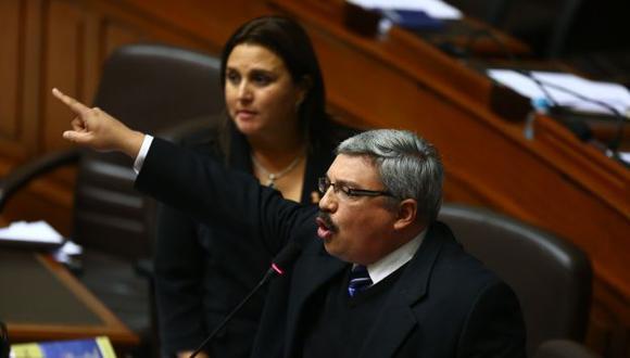 Alberto Beingolea le salió al frente a Raúl Castro por acusaciones. (Perú21)