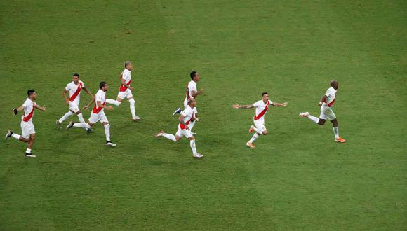 La primera victoria de la selección peruana vía tanda de penales. (Foto: EFE)