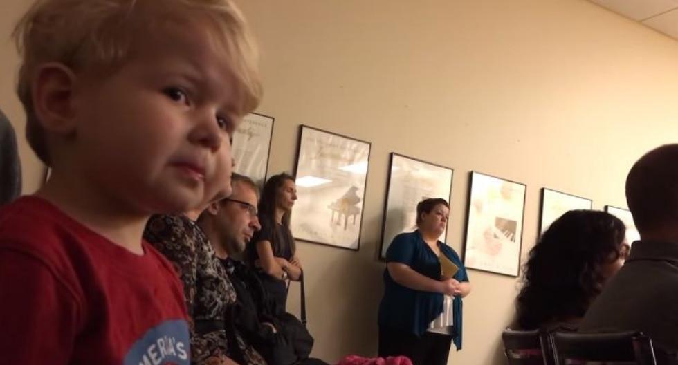 Un niño no pudo evitar sentirse abrumado por el poder del clásico de Beethoven. (Foto: Josh Noftz en YouTube)