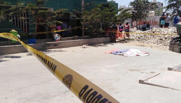 Asesino a sueldo, que tenía un gorro y lentes de sol, le disparó a quemarropa a la víctima. (Foto: GEC)