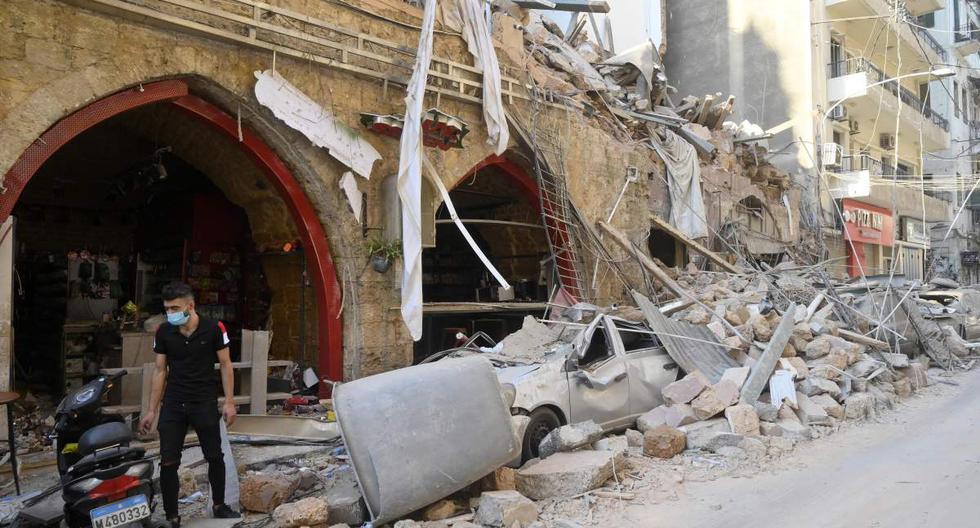 Imagen referencial. Vehículos dañados después de una explosión masiva en Beirut, Líbano. Imagen del 05 de agosto de 2020.  (EFE/EPA/WAEL HAMZEH).