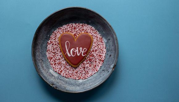Ponte el mandil y prepara postres y cócteles para consentir a tu pareja este 14 de febrero. (Foto: Gabby K / Pexels)