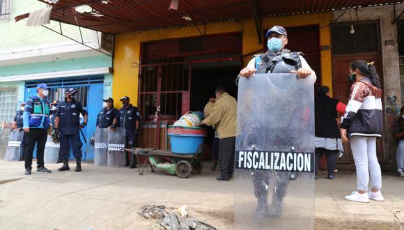 Agentes de Fiscalización realizan patrullaje en la Av. 28 de Julio, entre la Av. Aviación y la Av. Nicolás Ayllón, y calles aledañas. (Foto: MML)