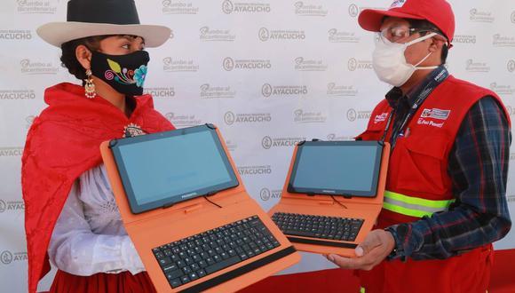 Ayacucho: más de 28 mil tablets se entregaron para beneficiar a 429 escuelas de la región (Foto: MTC).