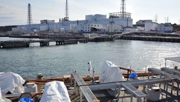 Pese a los esfuerzos por controlar las filtraciones, Tepco aún no da con el punto de fuga. (Reuters)