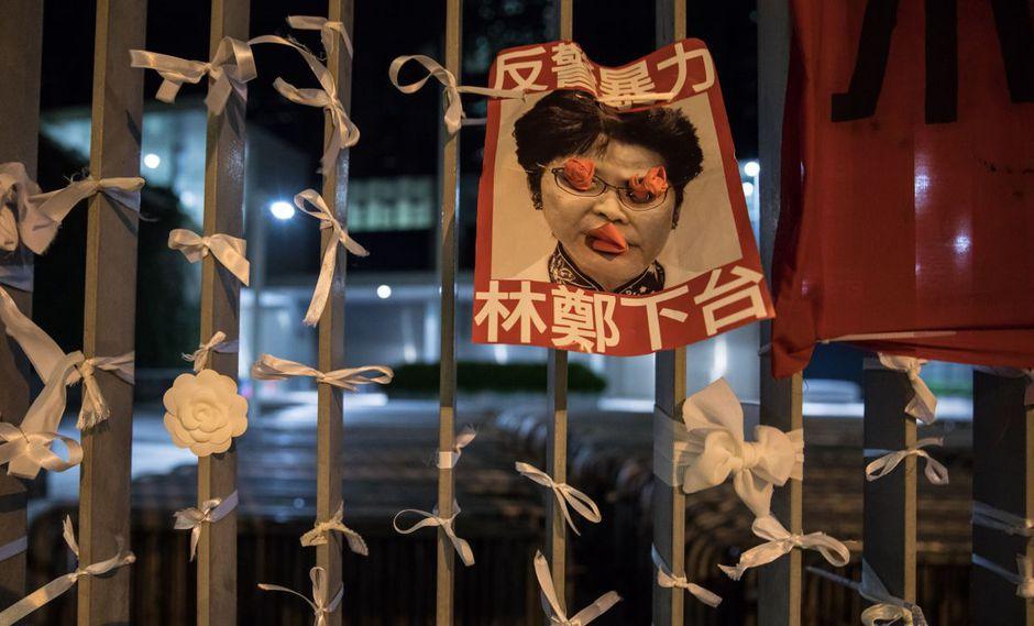 """La jefa de gobierno de Hong Kong, Carrie Lam, pidió hoy a los ciudadanos que le den """"otra oportunidad"""" para que su administración pueda """"reconstruir la confianza"""". (Foto: AFP)"""
