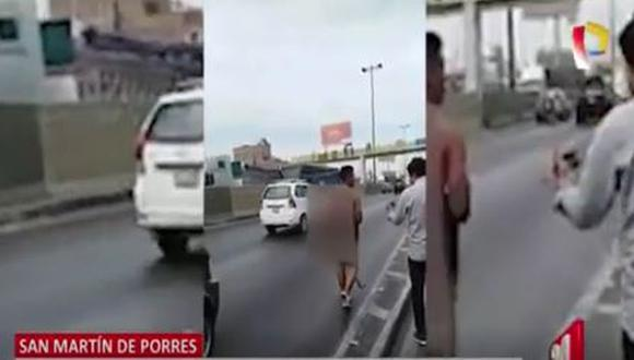 Vecinos capturan, golpean y desnudan a delincuente en SMP. (Captura)