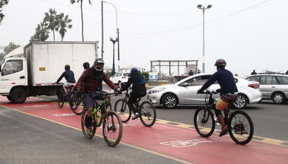 Las ciudades alrededor del mundo comenzaron a adaptar sus calles y construyeron ciclovías emergentes para atender esta demanda, señala la columnista.  (Foto: Jesús Saucedo/GEC)