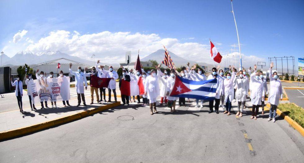 Médicos cubanos bajo la lupa