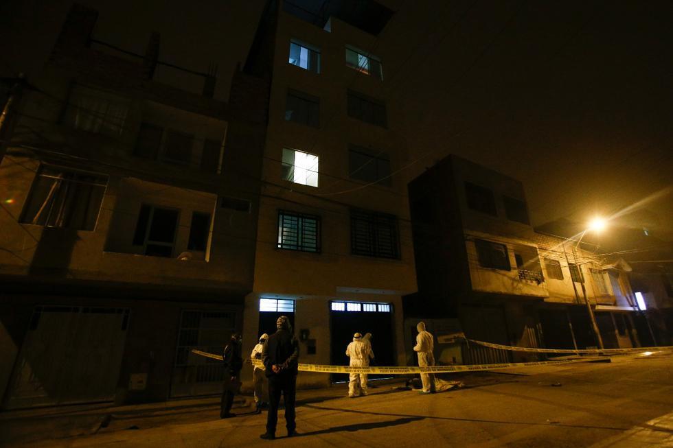 Una mujer falleció al caer del tercer piso de un edificio. (Foto: Andrés Paredes/GEC)