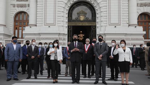 Sagasti y congresistas luego de votar por la nueva Mesa Directiva.(Fotos: Anthony Niño de Guzmán / @photo.gec)