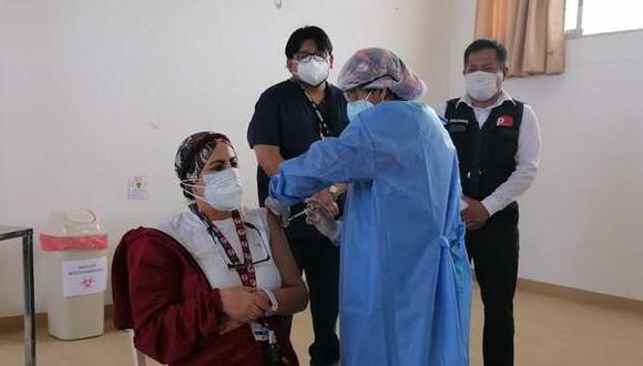 Con la llegada de las 700 mil dosis de la vacuna de Sinopharm adicionales, el Minsa aclara que se atenderá a todo el personal del sector salud de la región (Foto: Minsa)