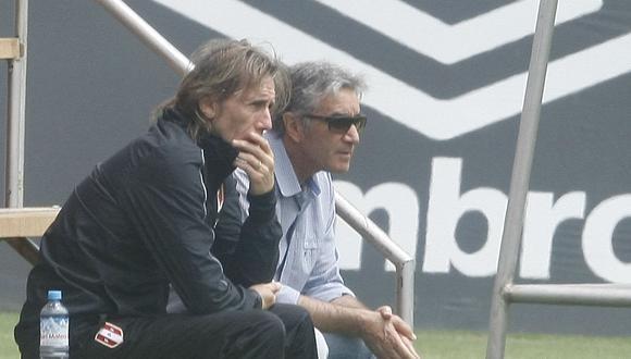 Juan Carlos Oblitas confirmó la continuidad de Ricardo Gareca. (Foto: GEC)