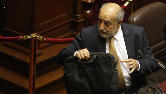 El ministro Mayorga deberá renunciar si es censurado. (Martín Pauca)