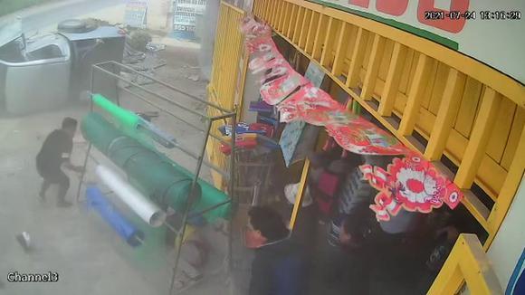 Camioneta De Municipalidad De Santa Rosa De Quives Implicada En Accidente Que Dejó Un Muerto