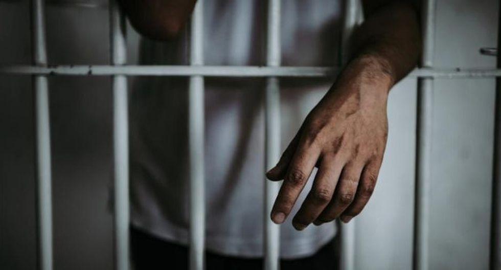 Dictan cadena perpetua a expolicía que abusó de su hijastra y sobrina. (foto referencial: Getty)
