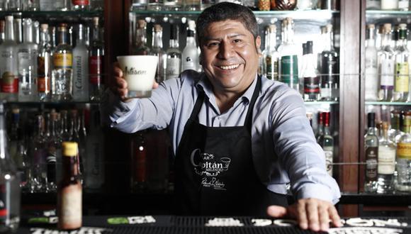 Este sábado se celebra el Día del Pisco Sour. Antes conversamos con el reconocido barman Roberto Meléndez. (Fotos: César Campos).