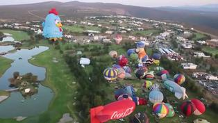 Globos aerostáticos llenan de color el cielo en México, en festival con público virtual