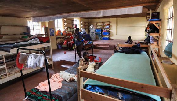 En los dormitorios del internado Serene Haven, de Kenia, conviven decenas de jóvenes adoslecentes con sus hijos (Foto: Daniel Irungu/EFE)