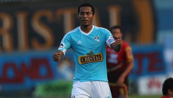 Carlos Lobatón jaló las orejas a compañeros de Sporting Cristal por errores. (Perú21)