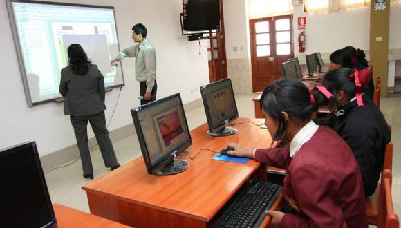En promedio, profesores del sector privado perciben menores ingresos. (Perú21)