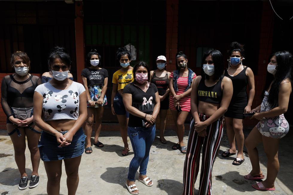 Sayuri, Génesis y algunas de las chicas que viven con ellas en Jirón Chancay. (Foto: Renzo Salazar/ GEC)