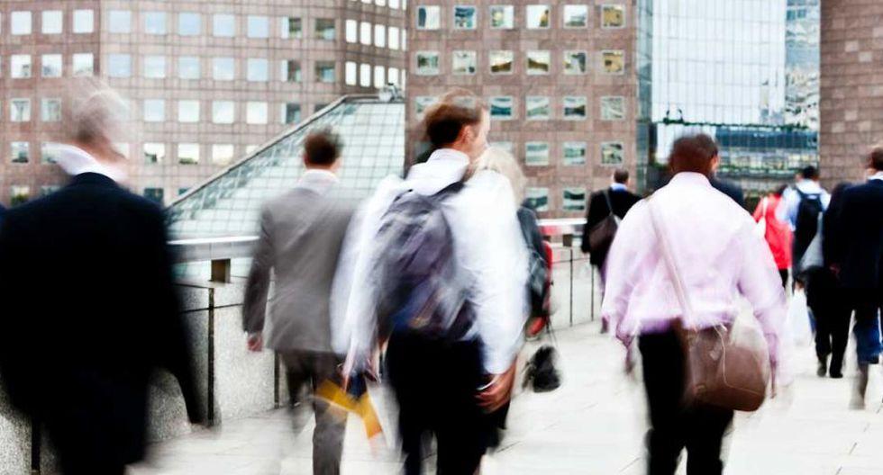 Según la Organización Mundial del Trabajo, el tiempo semanal de trabajo a nivel global es de aproximadamente 43 horas. (Foto: Shutterstock)