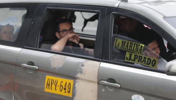 Los taxis colectivos circulan en mayor número por la avenida Arequipa. (Foto de archivo)