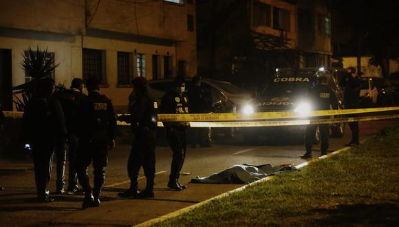 Asesinan a sujeto en la cuadra 3 de jirón topacios  en la Victoria. (Foto: César Grados/GEC)
