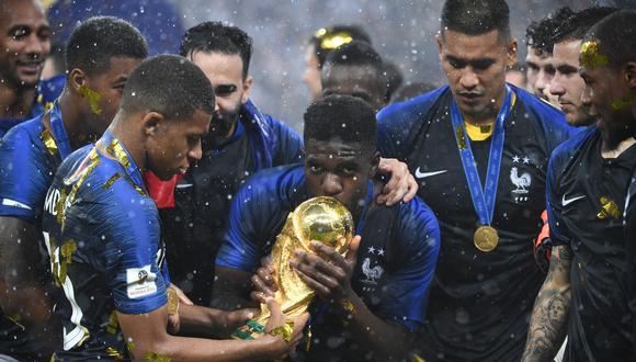 Entre los 23 futbolistas consagrados en Rusia destaca Kylian Mbappé. (Foto: AFP)