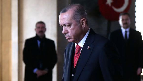 Erdogan hizo estos comentarios a los periodistas que le acompañaban en su vuelo de regreso de París el pasado lunes. (Foto: EFE)