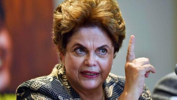 Dilma Rousseff, fue destituida como presidenta en 2016 por irregularidades fiscales. (Foto: AFP / Archivo)