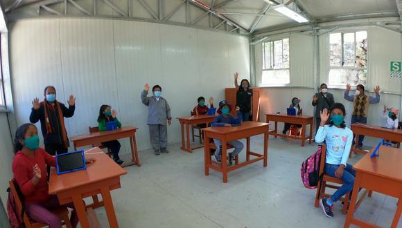 Arequipa:  escuelas cuentan con equipos para el lavado de manos; mientras que los docentes y estudiantes acuden al local escolar con mascarillas y respetando la distancia social. (Foto: Minedu)